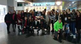 Gli alunni del Liceo Mazzini nella Galleria Vanvitelli per la manifestazione contro la violenza sulle donne